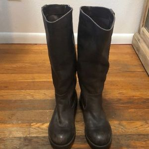 Kenneth Cole Reaction Boots Tried and Tide Size 6